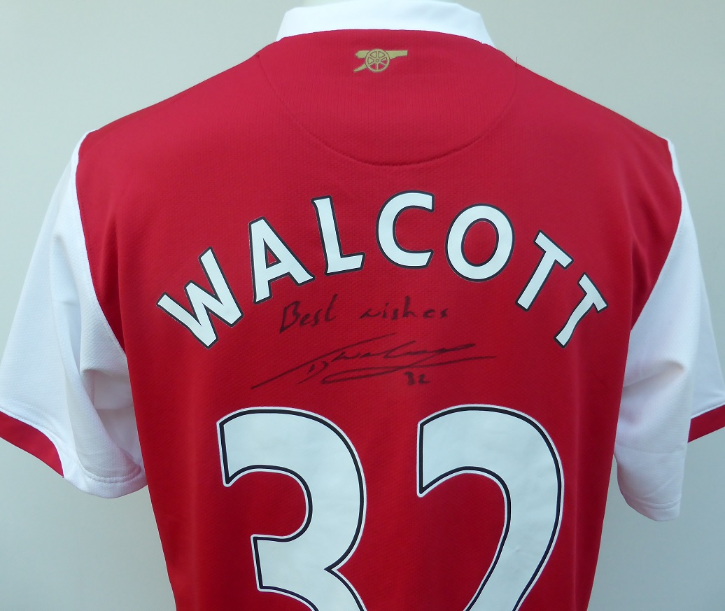 c5ccb7bc9 2006-08 Arsenal Home Shirt Signed by Theo Walcott No.32 (14554 ...