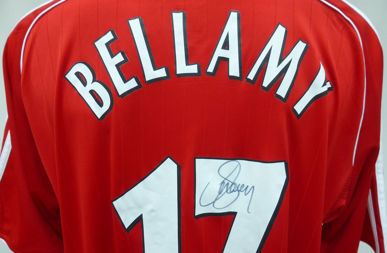 05d9df509 2006-08 Liverpool Home Shirt Signed by Craig Bellamy No.17 with COA ...